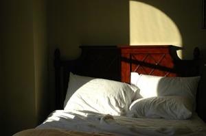 Mit Lavendelöl bekommt man Einschlafprobleme in den Griff.